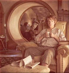 Bilbo having tea